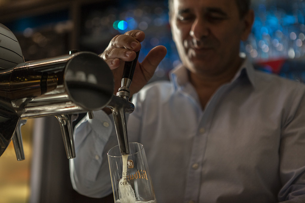 Costa-Taverne-web.jpg